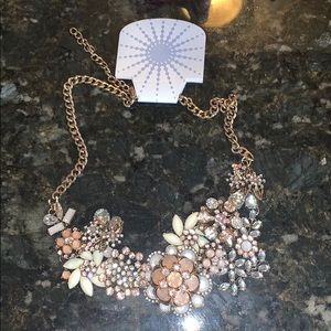 NWT! Statement necklace